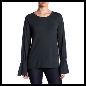 14th & Union Bell Sleeve Sweater Green
